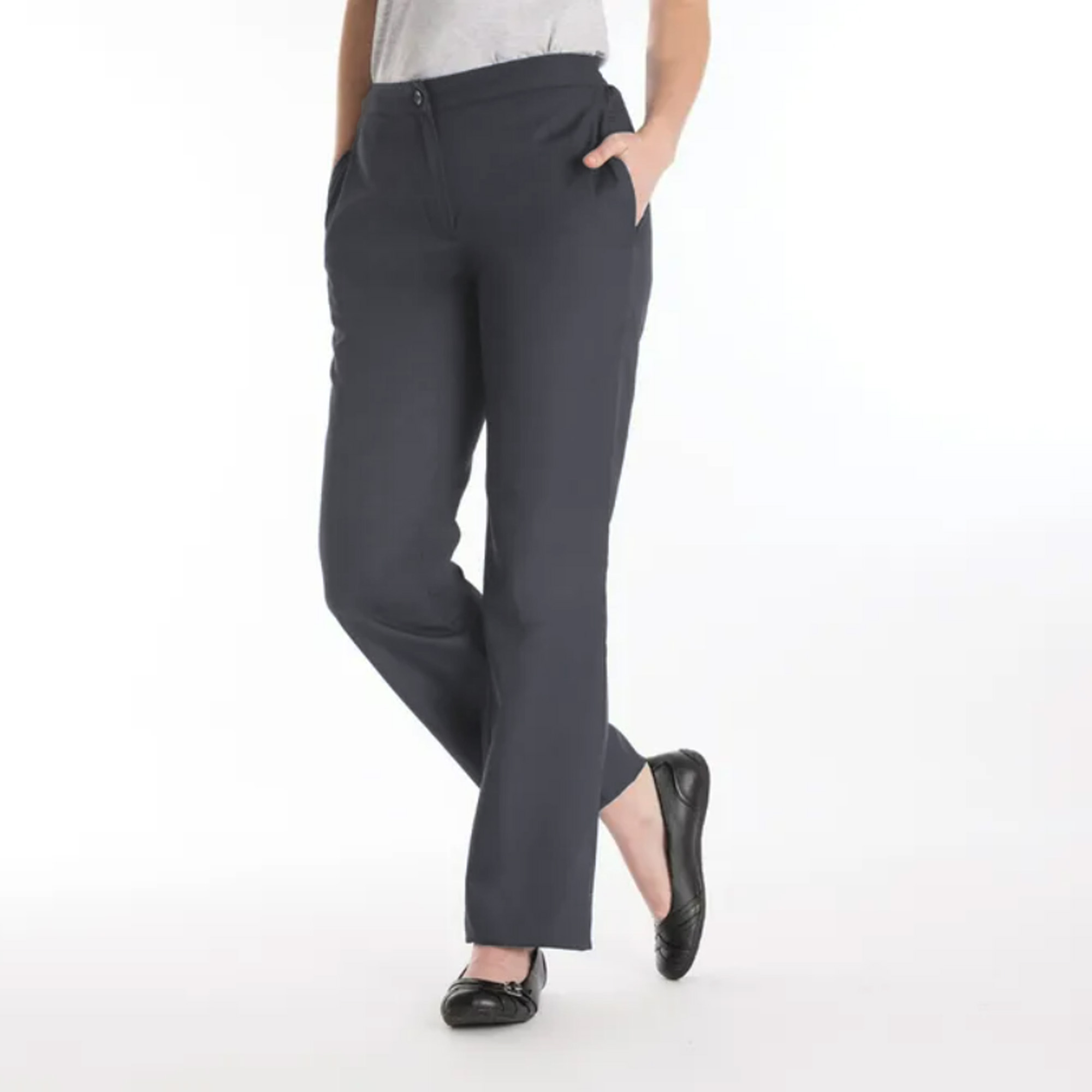 We offer you wide-leg pants for women in a variety of sizes and styles. We have high-waist wide-leg pants that are perfect for office or formal wear. For casual outings, pick our wide-leg pants .