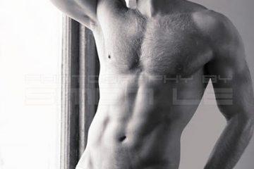 half-naked-model-mordechai-toor-in-underwear