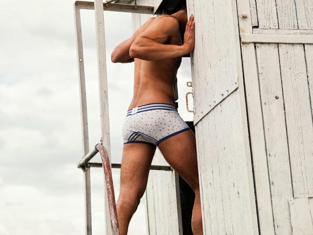 Croota underwear mountain range