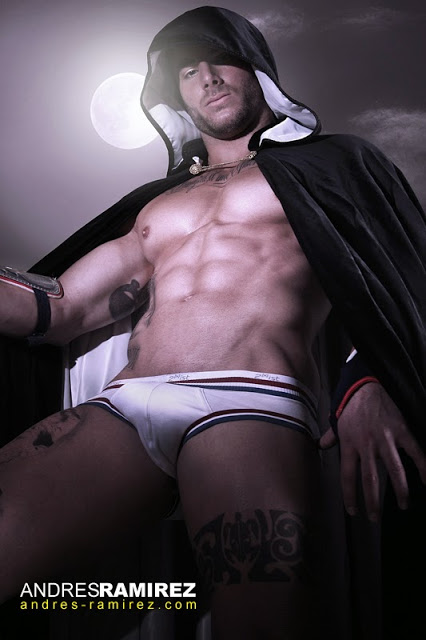 Sexy model Esteban Martinez in 2xist underwear