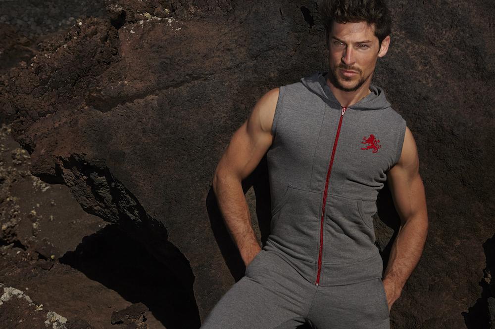 Gallego de Montiel mens sportswear