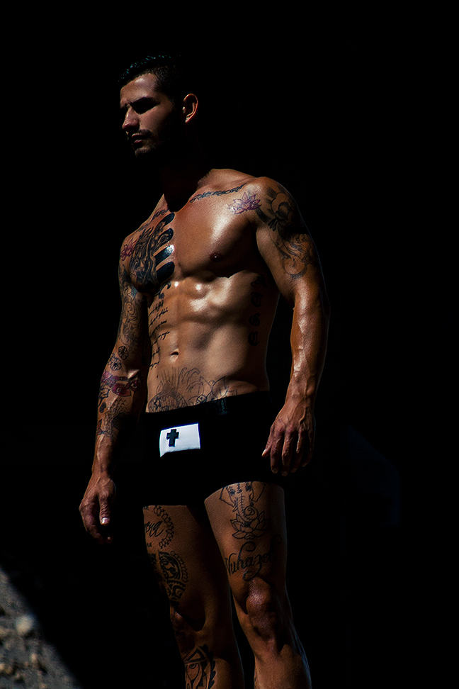 Model and tattoo artist Airam Castedo - Adrian C. Martin - Modus Vivendi