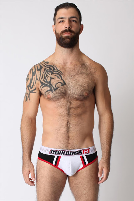 Dugout briefs by Timoteo