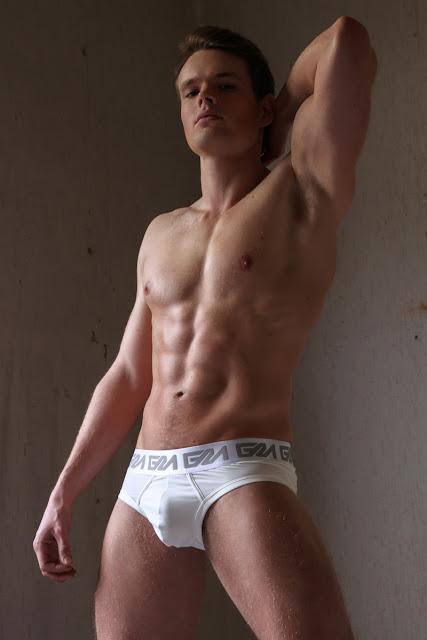 Model Wouter by Martijn Smouter - Garcon Model underwear
