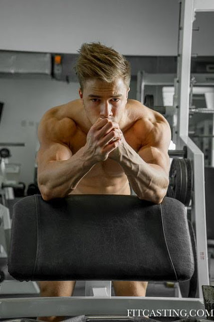 Attila Toth by Guy Croisiaux for Fitcasting