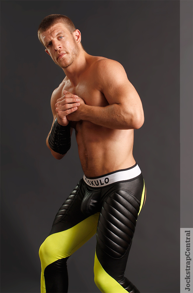 Caleb King - jockstrap-central-maskulo-leggings-3