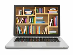 Laptop med E-learning, biblioteksbokhylla på skärmen