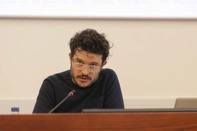 Performance lecture by Asier Mendizibal, Bizbak University, Bilbao, 2012