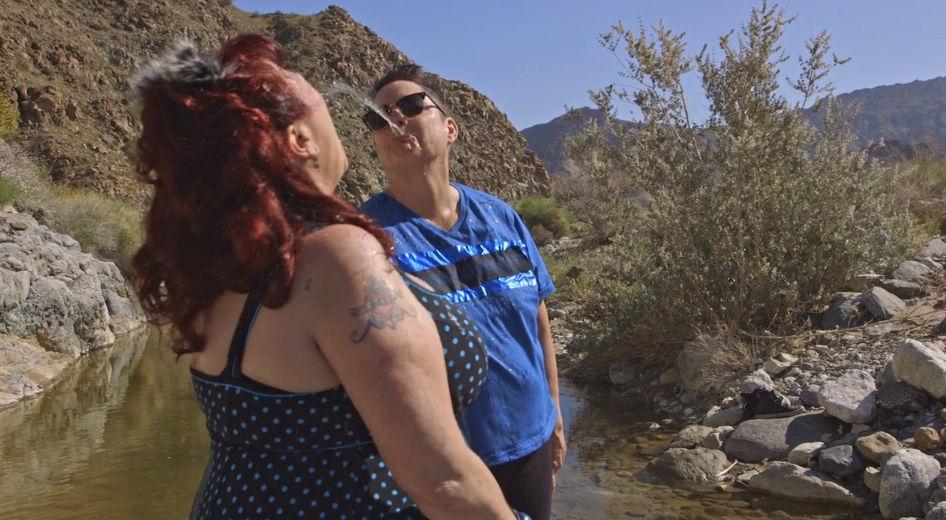 Från filmen Water Makes Us Wet av Annie Sprinkle och Beth Stephens.