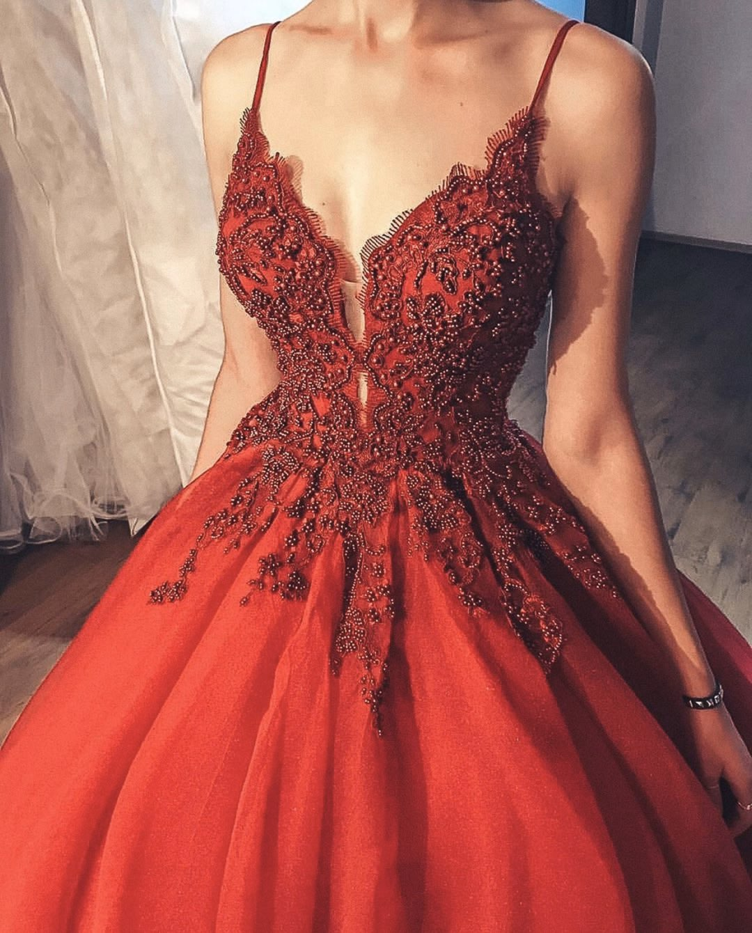 RED LACE PRINCESS