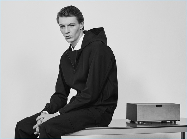 Cos%20holiday%20dressing%20fw17_6