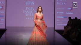 Yami Gautam Mesmerizes as WNW's Showstopper at Lotus Makeup India Fashion Week SS19
