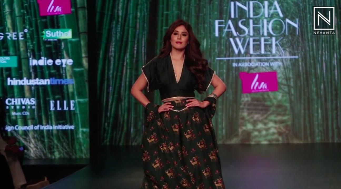 Kritika Kamra Walks For 17 17 At Lotus Makeup India Fashion Week