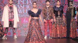 Soundarya Sharma Turns Muse to Charu Parashar at LMIFW AW19