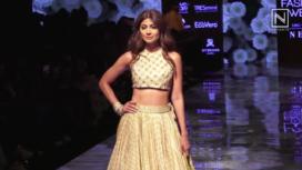 Shilpa Shetty Turns Perfect Muse to Punit Balana at LFW Winter Festive19