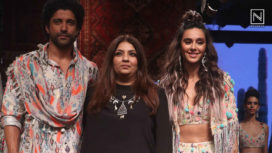 Shibani Dandekar and Farhan Akhtar Walk Together for Payal Singhal at LFW WF19
