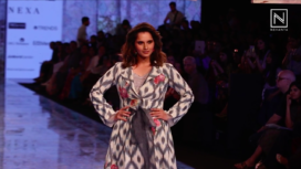Sania Mirza Closes the Show for Label EKA at LFW SR 20