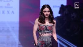 Soha Ali Khan Turns Showstopper for Shahin Mannan At LFW SR 20