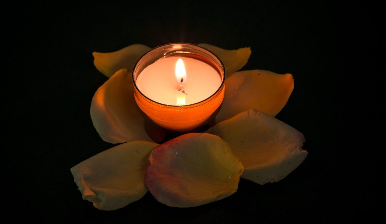 candle-957275_1920