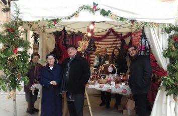Misol participa en el mercado de Navidad de Ciudadela (Menorca) (4)