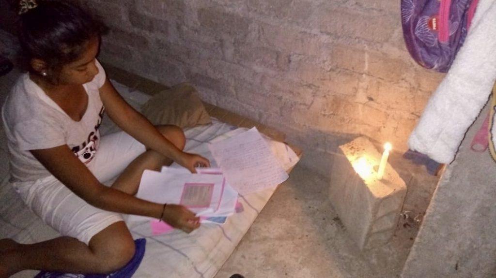 El desafío de continuar las clases en el Colegio Toni Real Vicens de Trujillo (Perú)