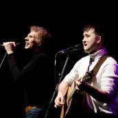 Charles Blyth & Sam O'Hanlon (l-r) in The Simon & Garfunkel Story. Photo by Jacqui Wilson 0342