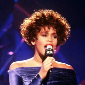 Whitney_Houston_Welcome_Home_Heroes_1_cropped-600x599