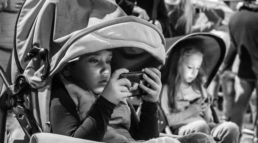 Çocukların telefon bağımlılığı