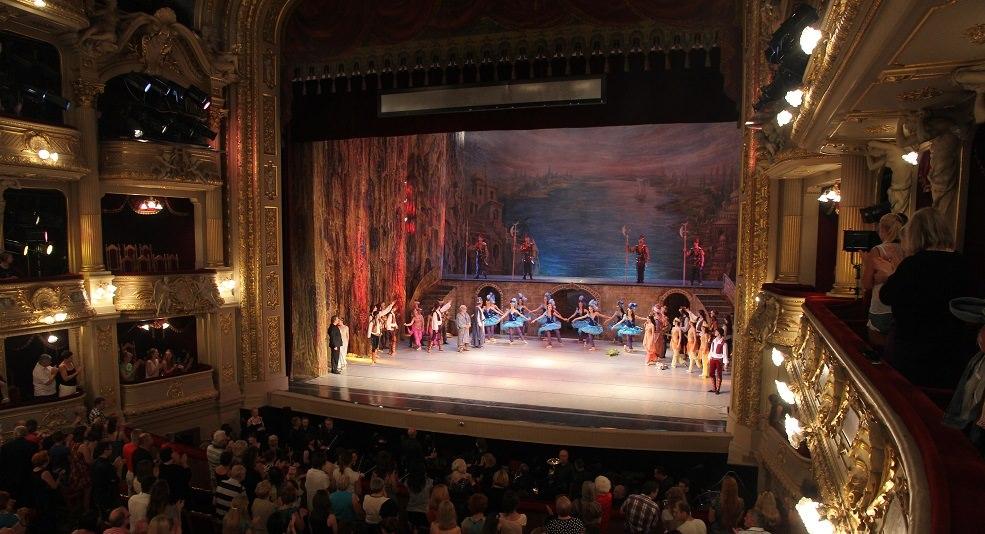 lviv-opera-binası