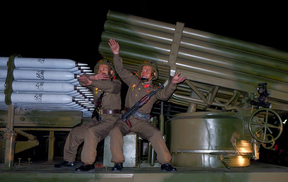 kuzey-kore-asker-13