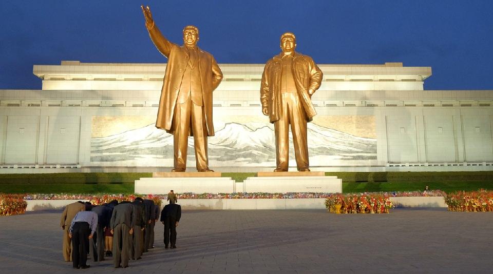 kuzey-kore-heykel-11