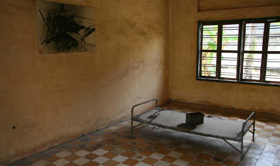 ölüm-tarlaları-kamboçya