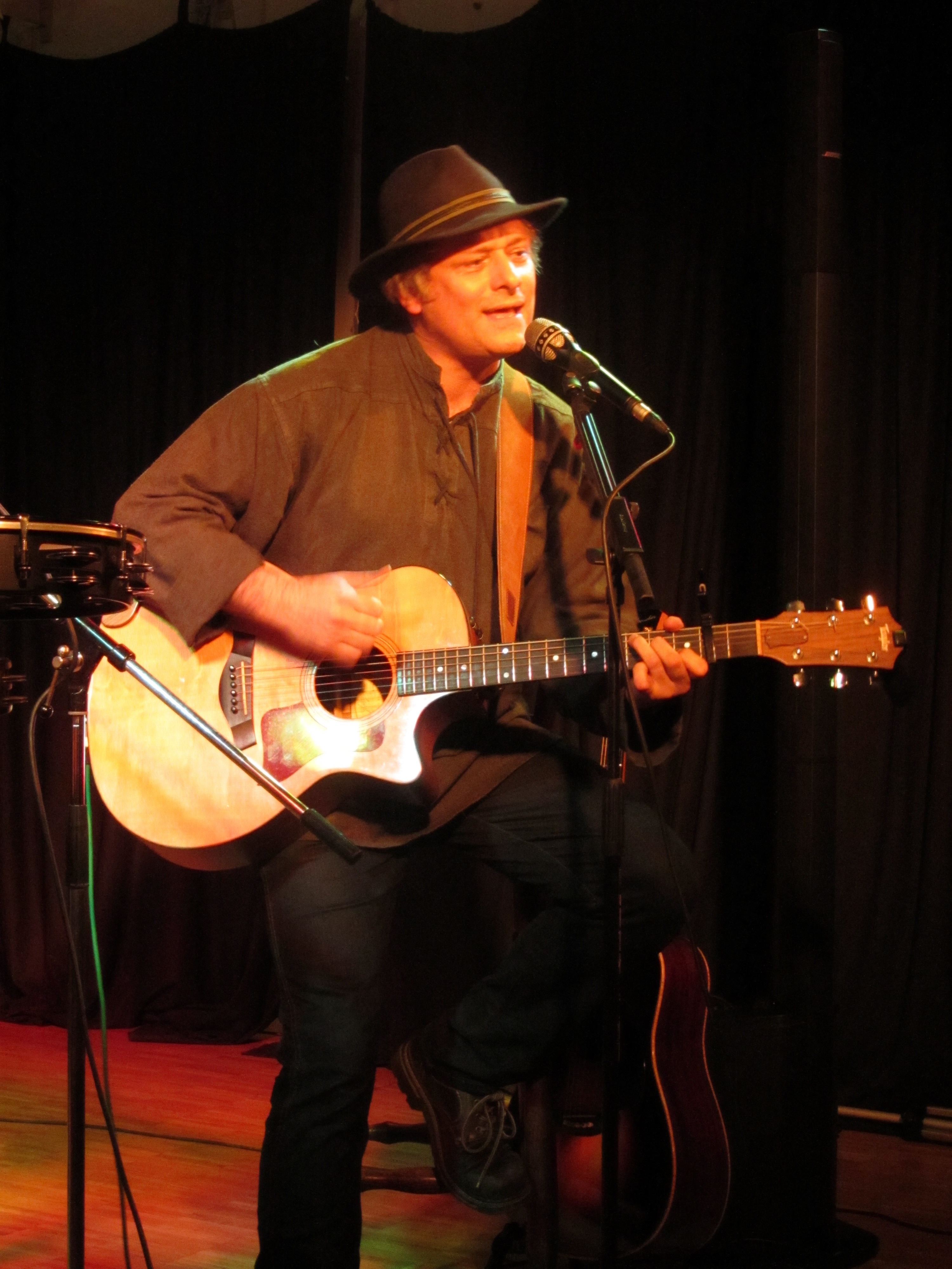 Singer/Songwriter Uwe Schatter - Songs, live & real