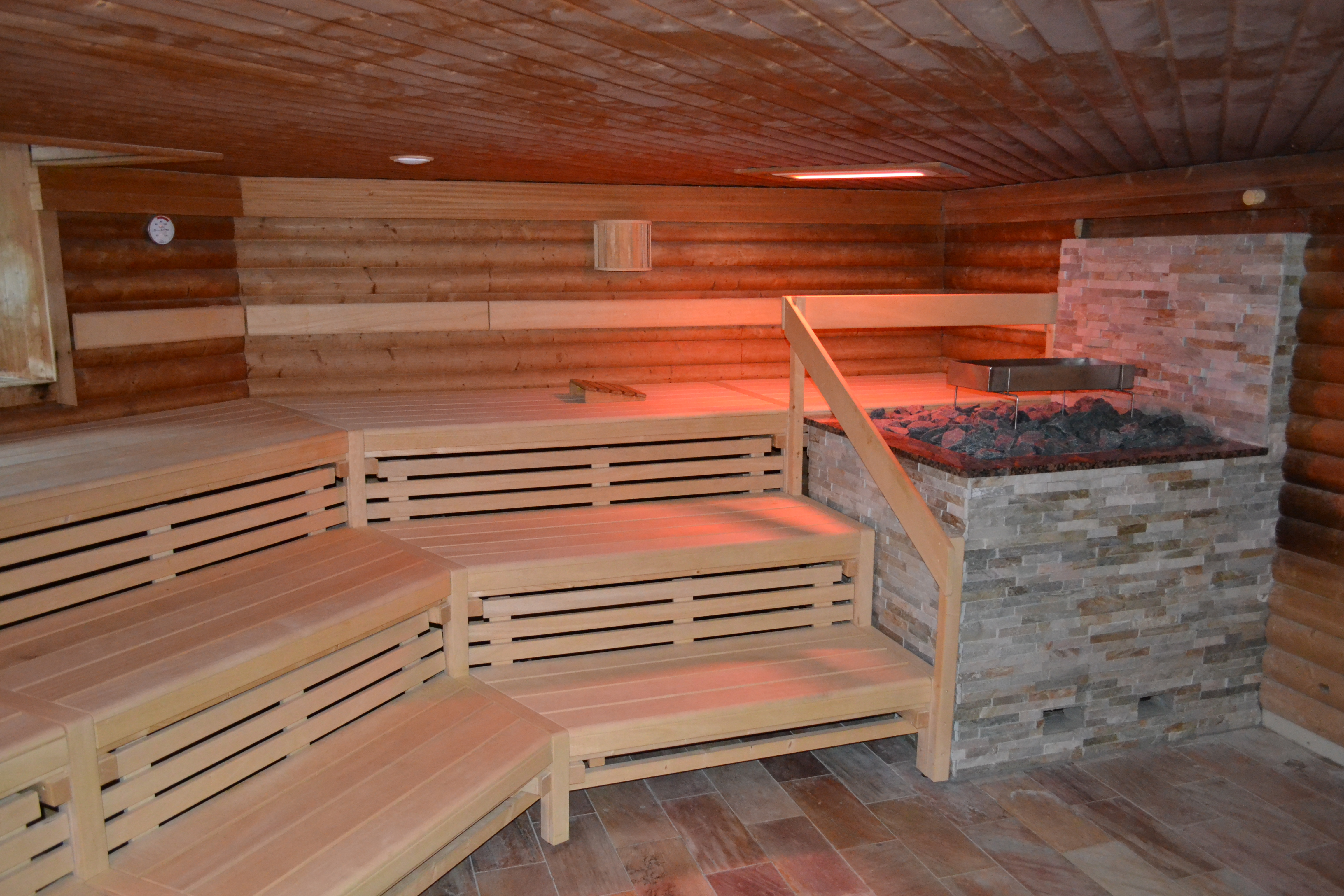 sauna special mitternachtssauna in leipzig am sachsen therme. Black Bedroom Furniture Sets. Home Design Ideas