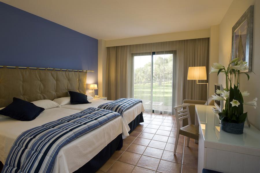 Hotel portaventura habitaciones standard 1 for Hoteles barcelona habitaciones cuadruples