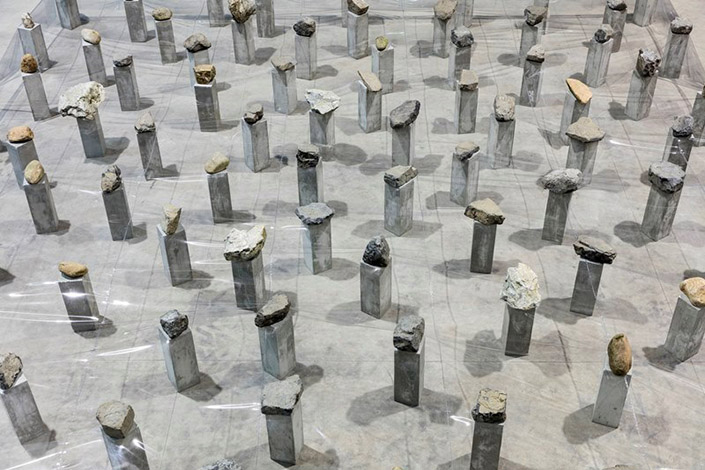 Kishio Suga Law of Multitude, 1975/2016 (detail). Courtesy of the artist, Guggenheim Abu Dhabi and Pirelli HangarBicocca, Milan Photo: Agostino Osio