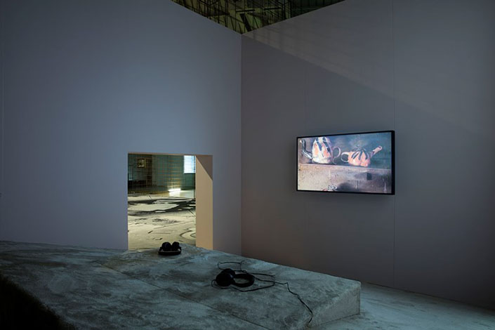 Laure Prouvost, Grandma's Dream, 2013, installation view at Pirelli HangarBicocca, Milan, 2016. Photo: Agostino Osio
