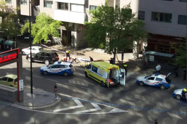 Spain shooting: Two injured after gunman opens fire near Zaragoza shopping centre