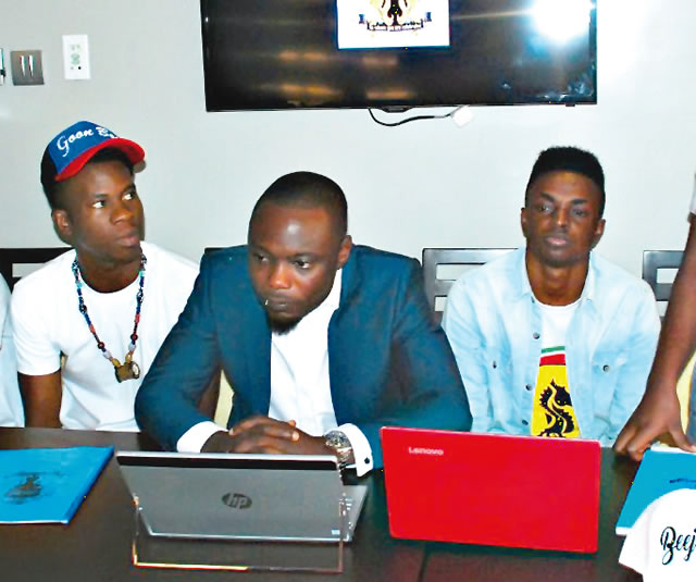 Hip hop kids sign deal with SoSlimm