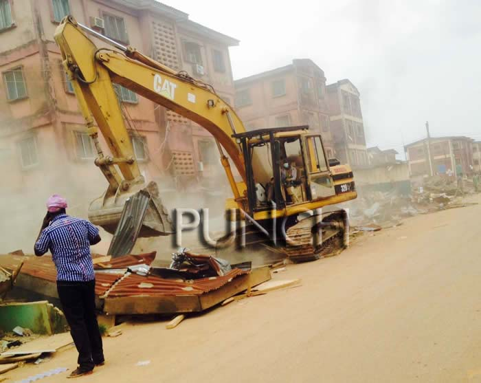 demolition-of-shops9