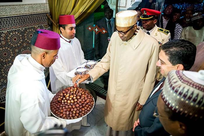 buhari-arrives-morocco2