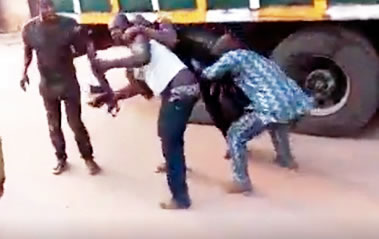 Policeman fights truck driver, loses gun over N500