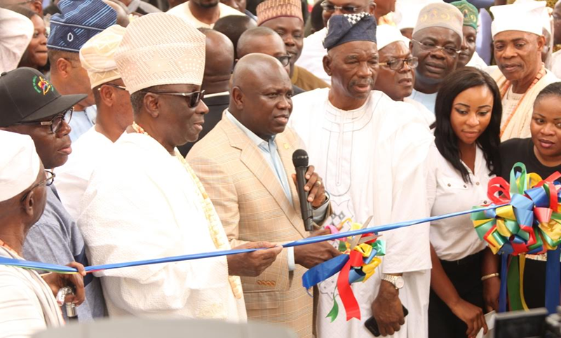 PHOTOS: Ambode commissions new Tafawa Balewa Square bus terminal