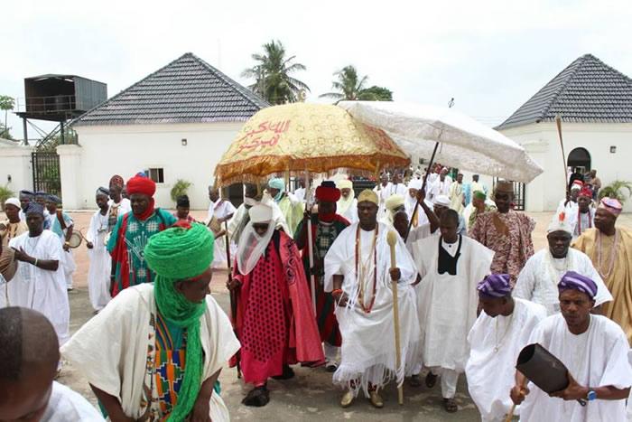 PHOTOS: Emir of Kano visits Ooni
