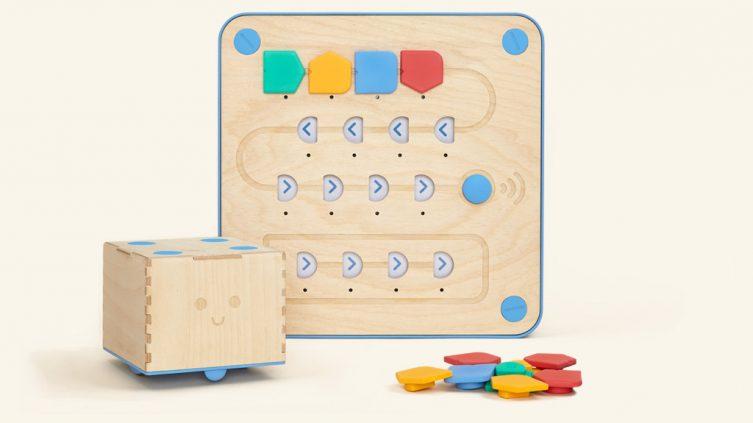 Cubetto, il robot che insegna il coding giocando