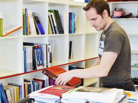 Booky.fi – kotimainen nettikirjakauppa välittää sekä uusia että käytettyjä kirjoja