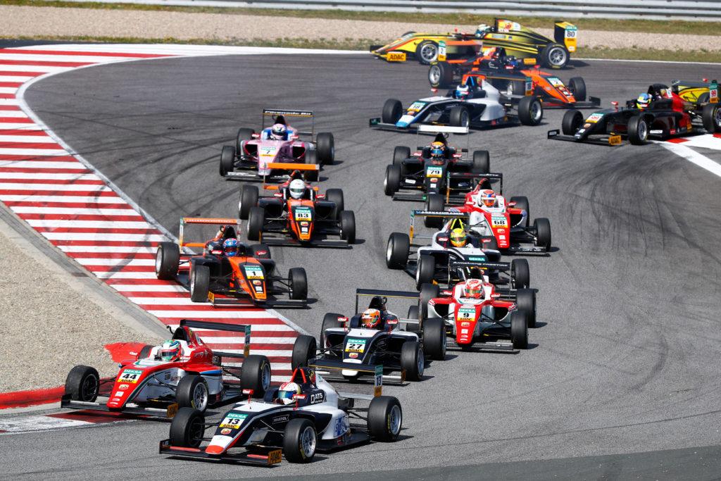Niklas Nielsen fører det tyske Formel 4 mesterskab 2017