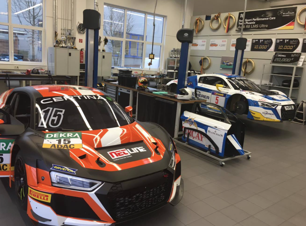 PROsport Performance. Til venstre ses Nicolajs AUDI til den kommende sæson. I det øverste billede kan du se den Porsche Nicolaj skal køre de 5 løb i!