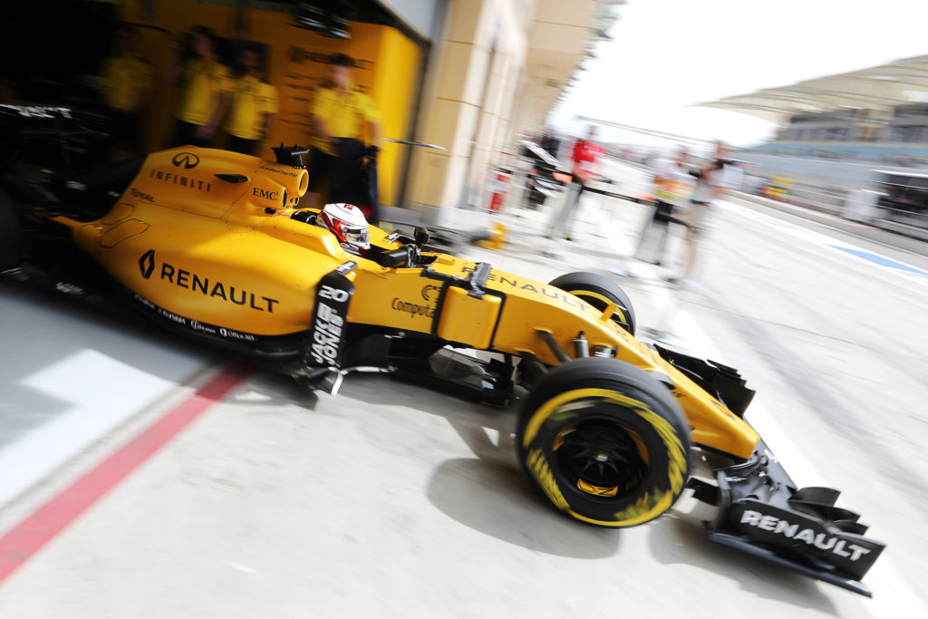 Kevin Magnussen (DEN) Renault Sport F1 Team RS16 leaves the pits. Bahrain Grand Prix, Friday 1st April 2016. Sakhir, Bahrain.