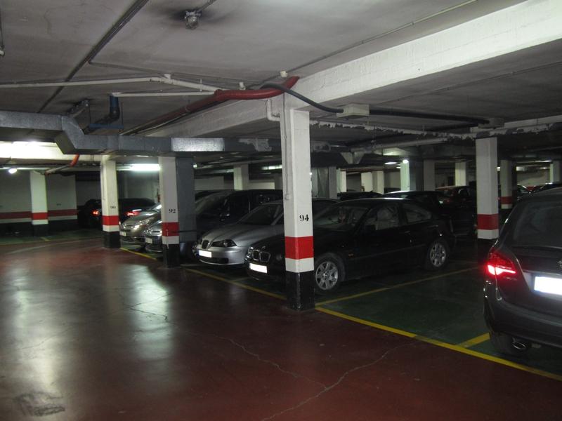 Seguros para garajes o aparcamientos p blicos rankia - Garajes para coches ...